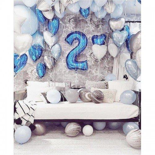 Шары на два года белого и голубого цвета