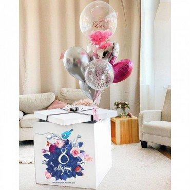 Коробка сюрприз на 8 марта с шариками