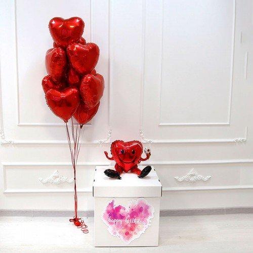 Коробка с шариками в форме сердца
