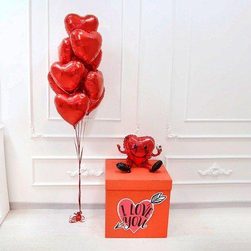 Шары с сердцами на 14 февраля в коробке