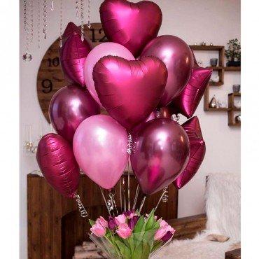 Комплект с шариками и сердцами в подарок девушке