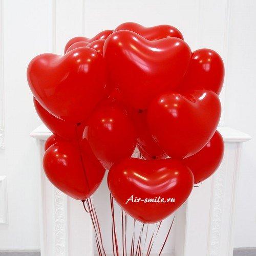 Шарики в виде красных сердец