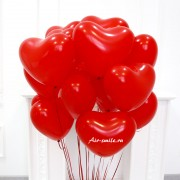 Красные воздушные шарики сердечки на 14 февраля
