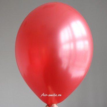 Шарик красного цвета оттенка металлик с гелием