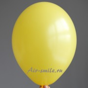 Шарик тёмно жёлтого цвета с гелием