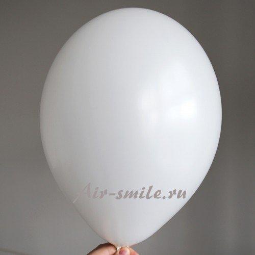Белый воздушный шарик