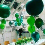 """Композиция из воздушных шаров в военном стиле """"Зеленый день"""""""