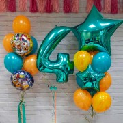 """Композиция из воздушных шариков на 4 года """"Три кота"""""""