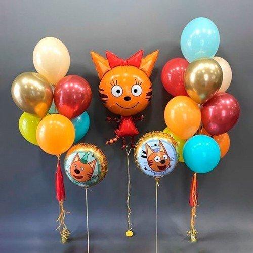 Компоиция из шариков с Карамелькой из Три кота
