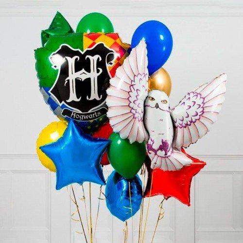 Композиция из шаров воздушных с совой Хедвиг и щитом