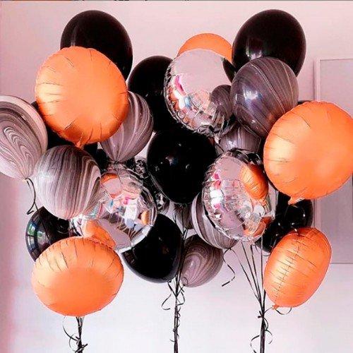 Готовое украшение шарами из трех фонтанов на Хэллоуин