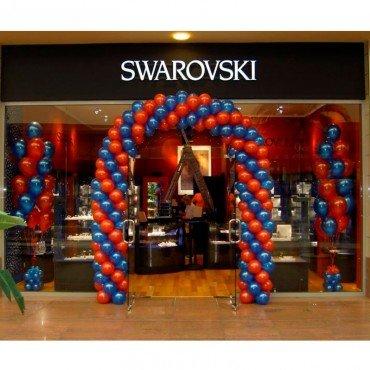 Оформление шарами открытия магазина в торговом центре