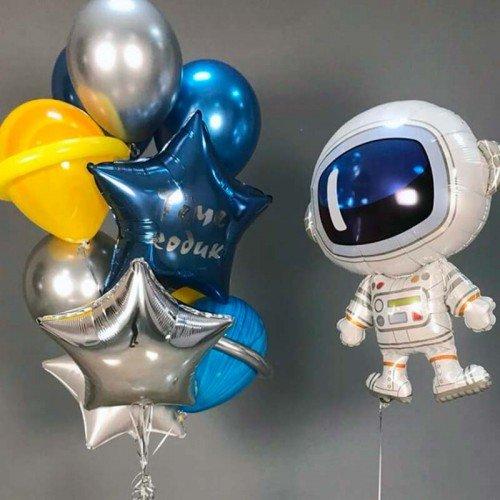 Украшение шарами космическим фонтаном и космонавтом