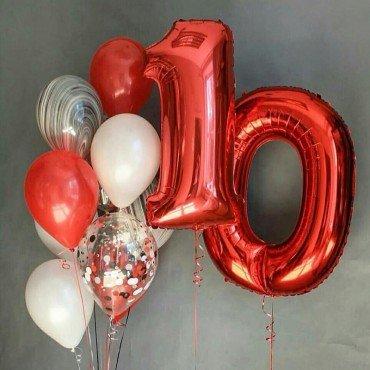 Фонтаны из шаров с агатами и красными фольгированными цифрами на 10 лет