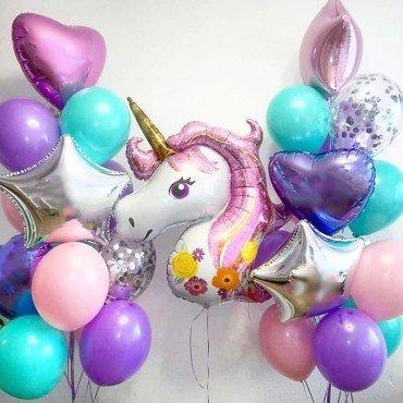Воздушные шары для девочки с сердцами и головой единорога