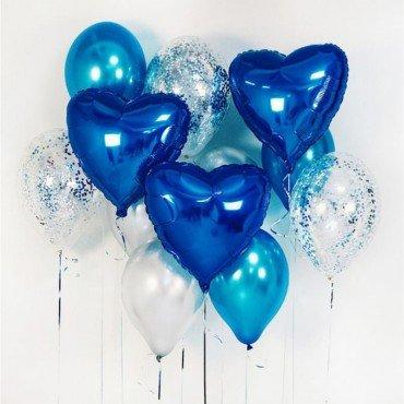 Облако шаров в синих цветах с сердцами