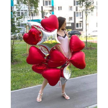 Фольгированные красные сердца с серебряными звёздами