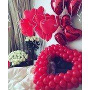Украшение комнаты шарами в виде сердец