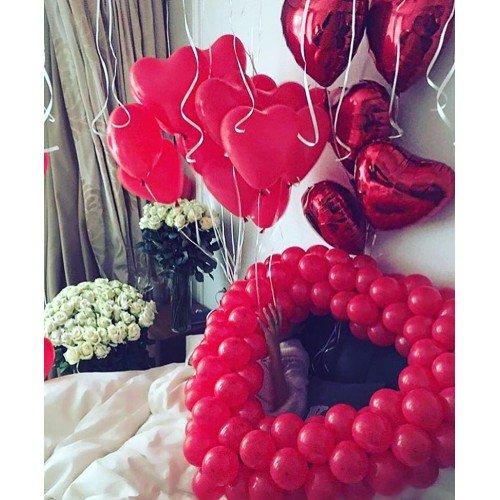 Воздушные шары в виде сердечек для поздравления