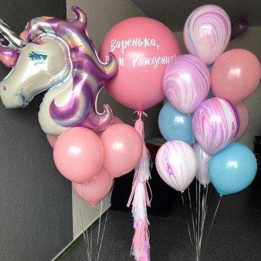 Воздушные шары для девочки в розовом цвете с единорогом и гигантом