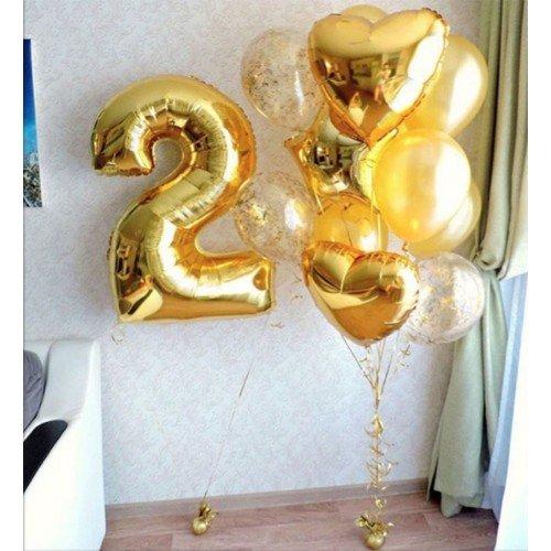 Букет из воздушных шаров в золотых оттенках с цифрой 2