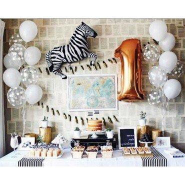 Украшение воздушными шарами на 1 год с зеброй