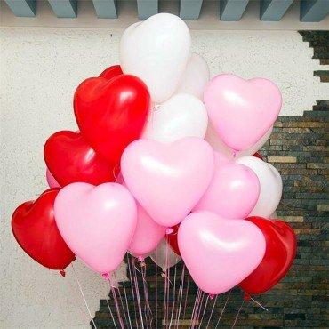 Воздушные шары в форме сердца на 8 марта микс