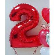 Фольгированная цифра 2 красного цвета