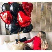 Фонтан из красно черных шаров с сердцами