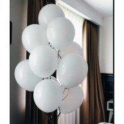 Фонтан из белых шаров