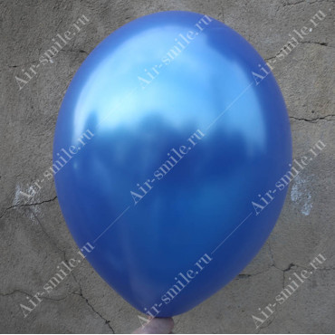 Шарик королевского синего цвета оттенка металлик