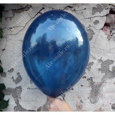 Прозрачный шарик синего цвета