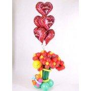 Букет цветов из шаров «Чубрик» и фольгированные сердца с любовью