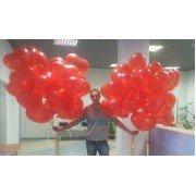 Крупные воздушные шары в виде сердец