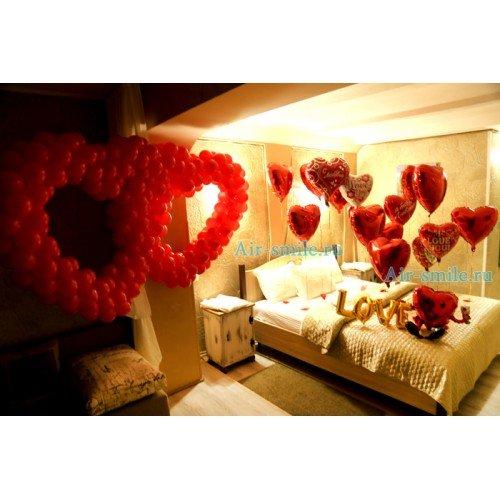 Воздушные шарики влюблённым украшение сердцами