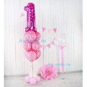 Композиция с фольгированной цифрой один розового цвета с сердечками