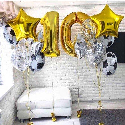 Украшение шарами дня рождения мальчика с футбольными мячами