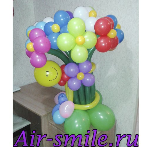Разноцветные цветы из шаров с чубриком