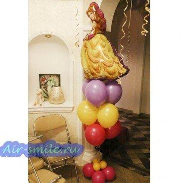 Композиция из шариков с Белль в жёлтом платьеКомпозиция шаров с принцессой Белль