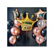Букеты из шаров со звёздами и корона вверху