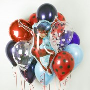 Облако из воздушных шариков с фигурой Леди Баг