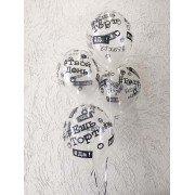 Черно белые шары с хэштегами